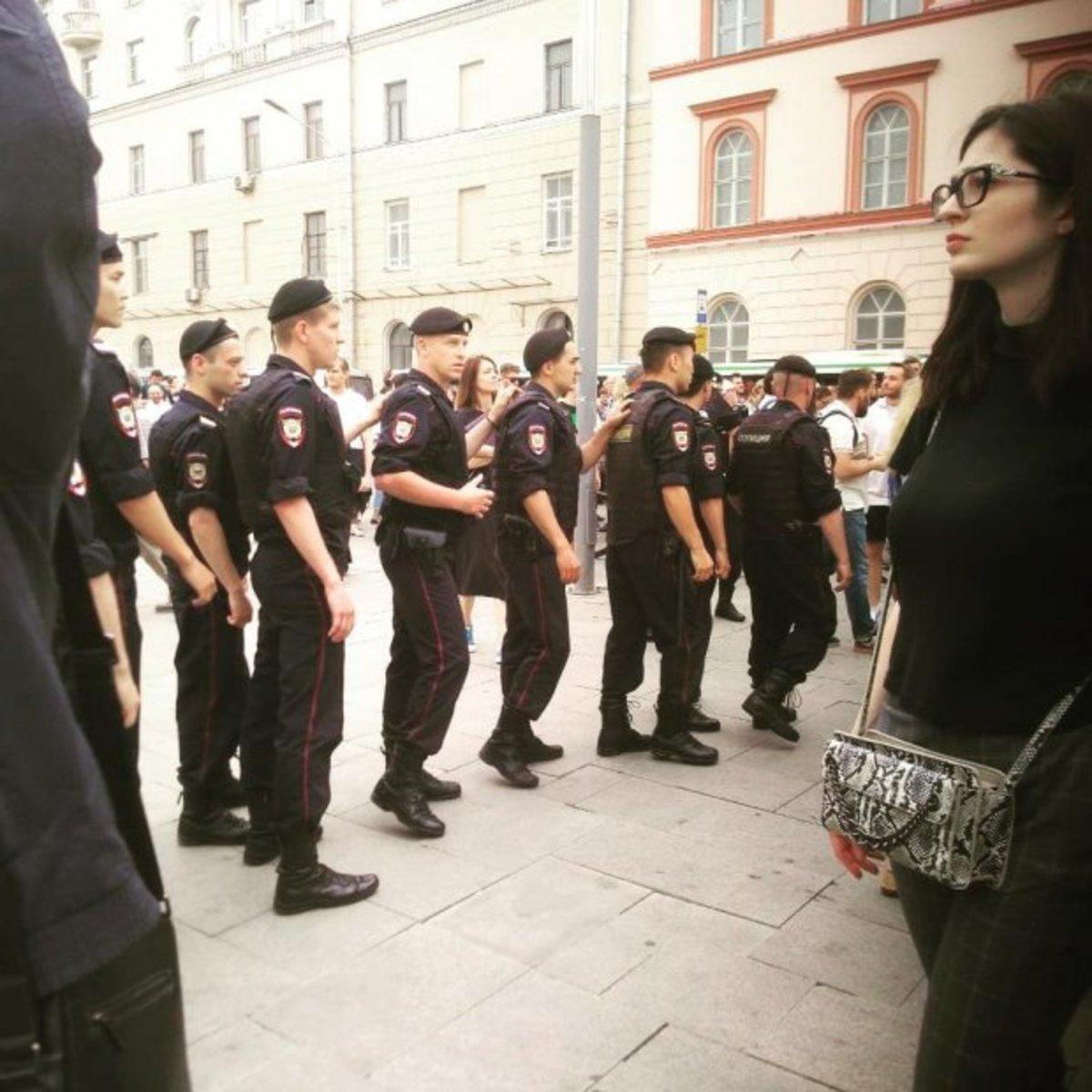 В Москве на акции в поддержку Ивана Голунова задержано более 50 человек