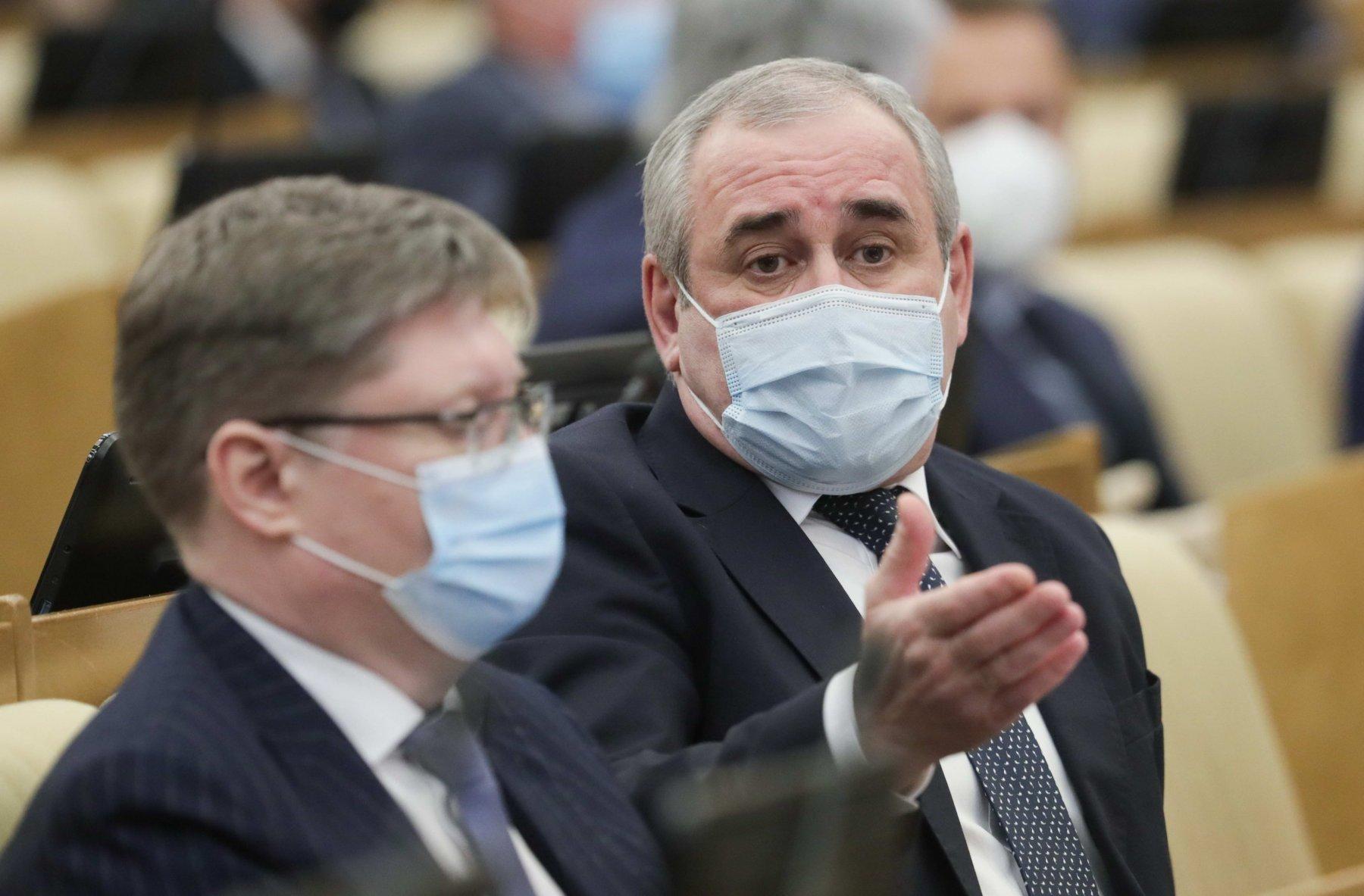 Российские власти опасаются локдауна больше пандемии